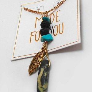 Jewelry - Gold Leaf and Agate Oil Diffuser Necklace